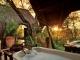 deluxe-tent-outdoor-bath
